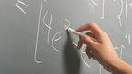 Tăng giờ làm để tăng lương giáo viên, 'dám' không?
