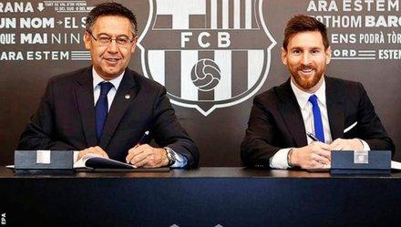 Messi gia hạn hợp đồng với Barca đến năm 2021