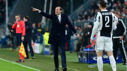 """""""Juventus còn nguyên cơ hội vào tứ kết"""""""