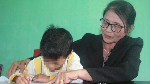 Lớp học cá biệt của bà giáo về hưu