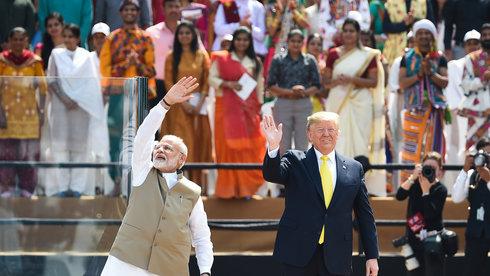 Ông Trump thăm Ấn Độ: Đằng sau những tràng pháo tay
