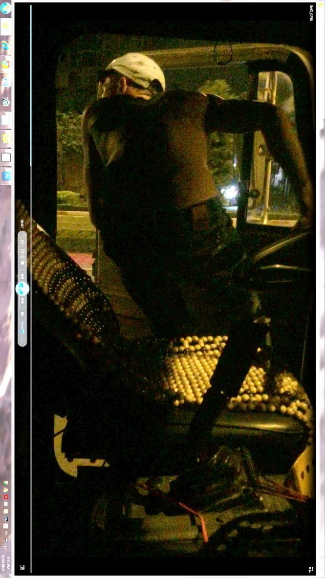 Sau vô lăng - Theo tài xế nghiện lái xe container (Hình 2).