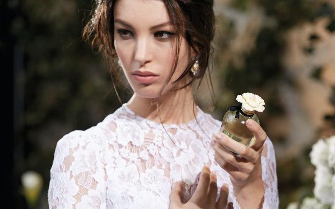 Cách giữ hương thơm quyến rũ của nước hoa trên cơ thể - Tuổi Trẻ Online