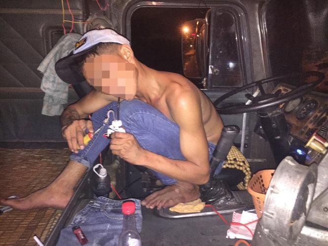 Sau vô lăng - Theo tài xế nghiện lái xe container