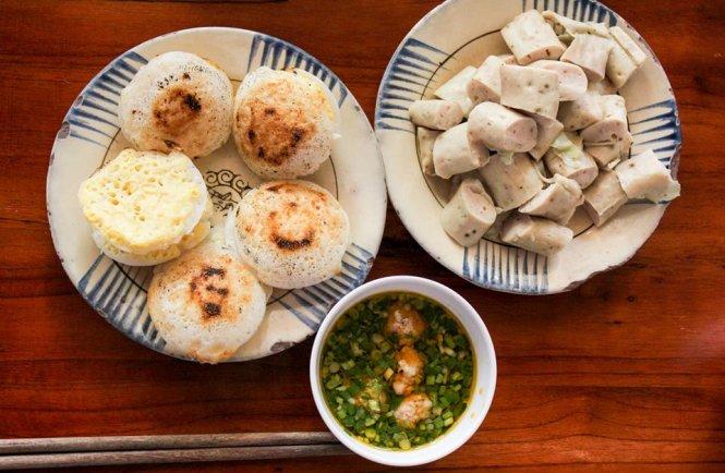 Bánh căn Đà Lạt - Ảnh: Huyền Trần ahalong.com