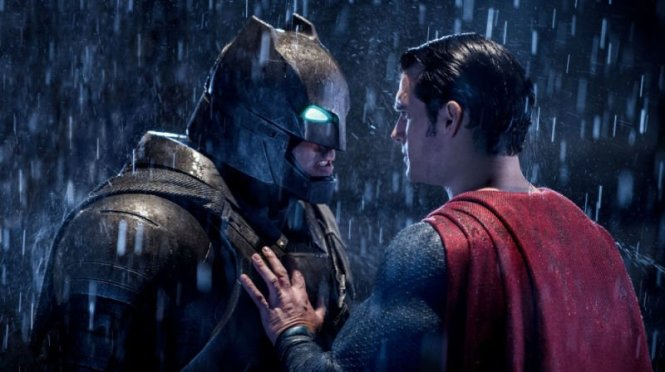Ben Affleck và Henry Cavill trong Batman v Superman: Dawn of Justice