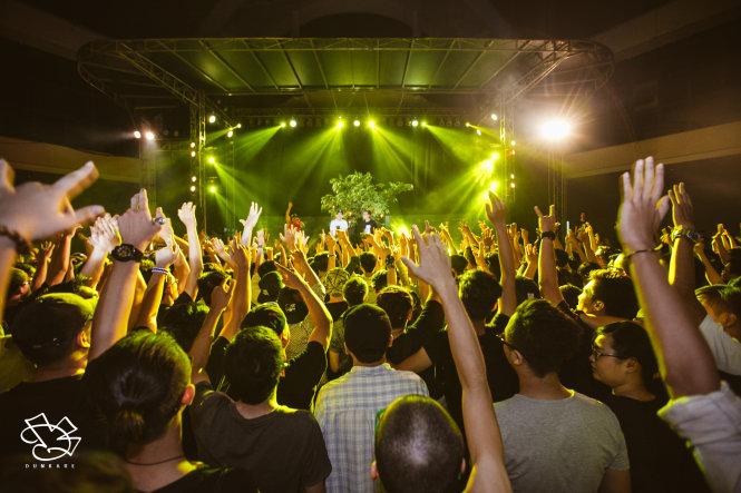 Nhóm Da LAB trình diễn trong Tử tế show lần thứ 5 - Ảnh: T.Đ.