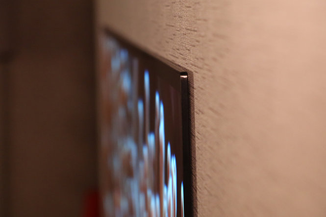 Tivi OLED LG Signature W7 mỏng 2,7mm - Ảnh: DigitalTrends