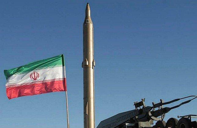 Lệnh trừng phạt kinh tế mới của Mỹ nhắm vào các cá nhân và tổ chức ở Iran có liên hệ tới chương trình tên lửa đạn đạo của nước này - Ảnh: Reuters