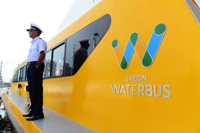 Tuyến xe buýt đường sông có tên là Saigon Waterbus - Ảnh: QUANG ĐỊNH