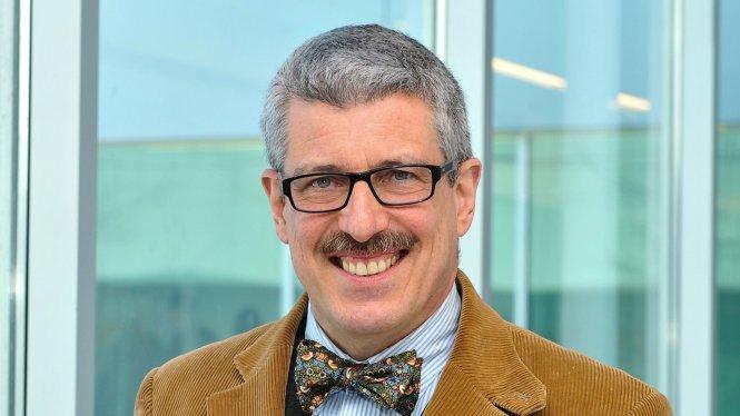 Sử gia David Schimmelpenninck van der Oye.-Ảnh: brocku.ca