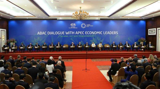APEC 2017: Phiên toàn thể đối thoại giữa các nhà lãnh đạo kinh tế APEC với Hội đồng tư vấn kinh doanh APEC. -www.apec2017.vn