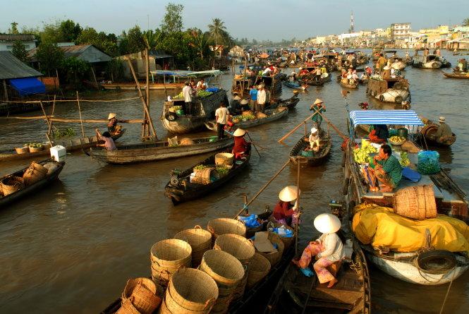 Cần một giải pháp cho chợ nổi ở ĐBSCL. -Ảnh: Hoàng Thạch Vân