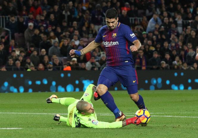 """Barca hơn R.M 11 điểm trước """"siêu kinh điển"""""""