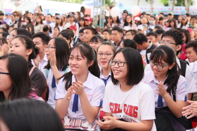 Thí sinh tham dự Ngày hội tư vấn tuyển sinh - hướng nghiệp tại Cần Thơ năm 2017 - Ảnh: TRẦN HUỲNH