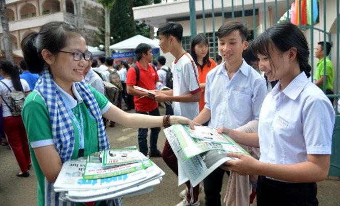 Học sinh tham dự chương trình tư vấn tuyển sinh - hướng nghiệp 2018 vừa diễn ra ở Đồng Nai - Ảnh: DUYÊN PHAN