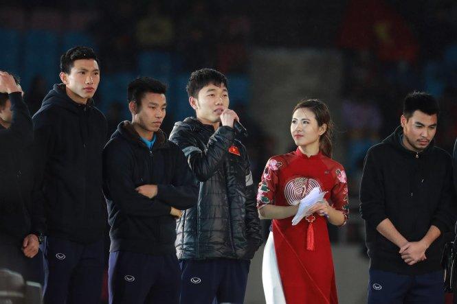 Lễ vinh danh U-23 VN nhiều hạt sạn: Không giới thiệu đầy đủ toàn bộ đội bóng và chỉ có Xuân Trường được phát biểu