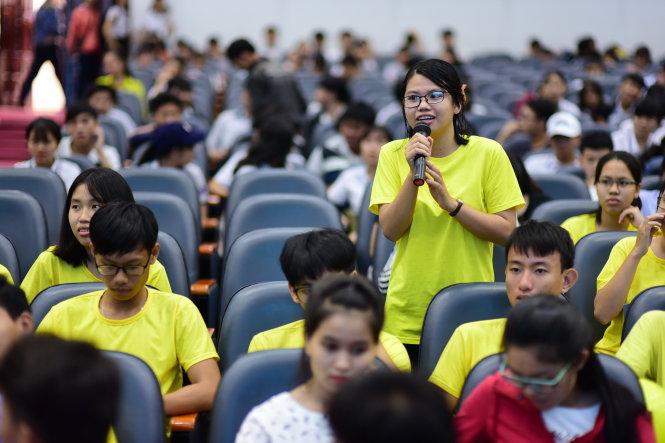 Thí sinh tham dự Ngày hội tư vấn tuyển sinh - hướng nghiệp 2018 do báo Tuổi Trẻ tổ chức tại TP.HCM - Ảnh: QUANG ĐỊNH