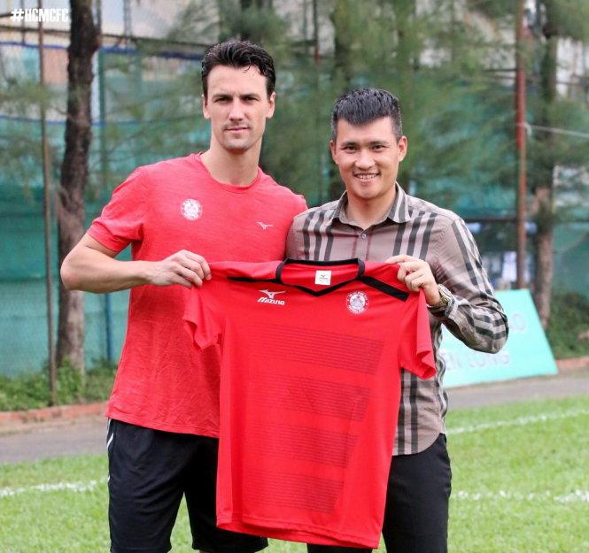 CLB TP.HCM chia tay cựu cầu thủ M.U