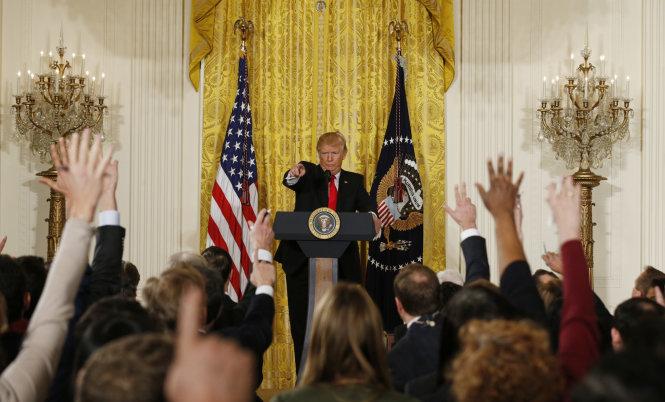 Tổng thống Trump đã gây thù chuốc oán với cánh báo chí suốt từ khi ông nhậm chức.-Ảnh: Brookings Institution