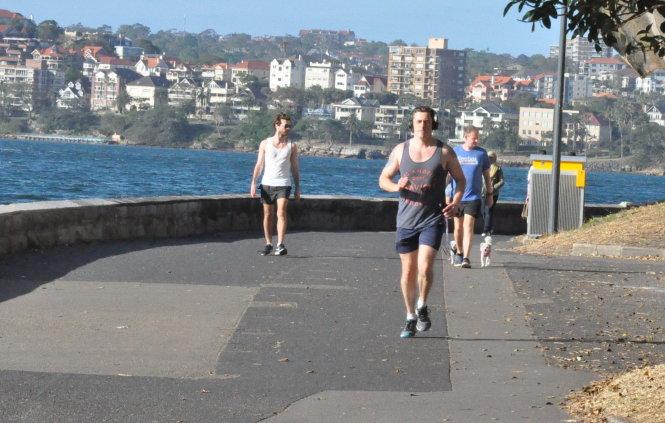 Mỗi ngày dành 30 phút tập thể thao là cách phòng ngừa tốt cho tim. Ảnh: L.N.M.