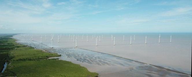 Sau nhiều năm khuyến khích phát triển, điện năng lượng sạch nói chung, điện gió nói riêng, vẫn là một phần rất nhỏ trong cơ cấu nguồn cung cấp điện VN. Trong ảnh: điện gió ở Bạc Liêu. Ảnh: Chí Quốc