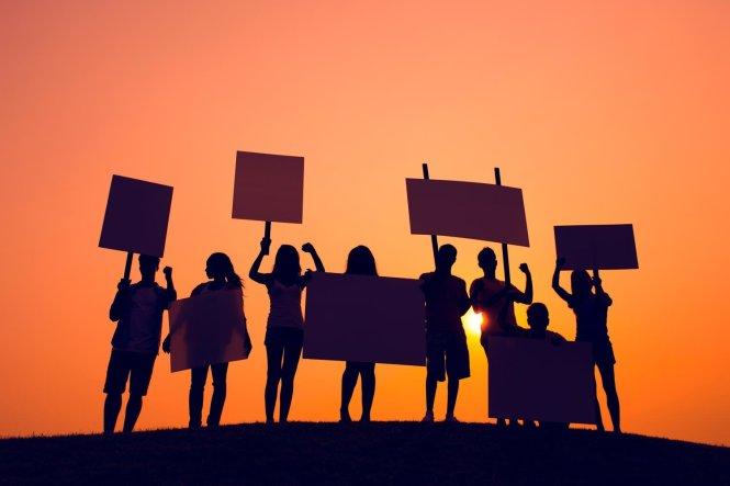 Dạy trẻ con biết tranh đấu và phản kháng là một phần rất quan trọng của giáo dục. -Ảnh: UVA Today