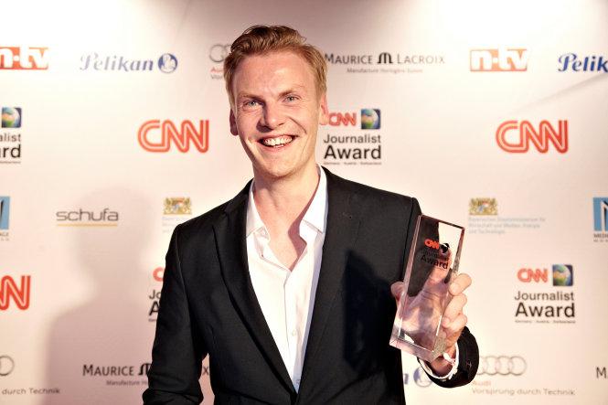 """Claas Relotius nhận giải """"Nhà báo của năm"""" của CNN. Ảnh: New York Post"""