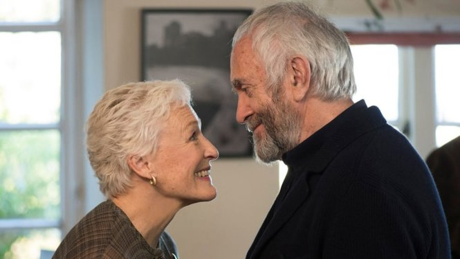 Glenn Close trong The wife