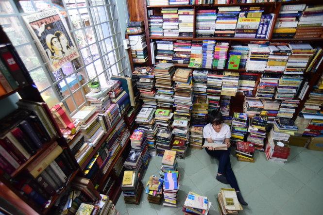 Momo bookstore ở hẻm 595 Cách Mạng Tháng Tám, Cầu liên phường 15 & 2, P.15, Q.10, TP.HCM.-Ảnh: QUANG ĐỊNH