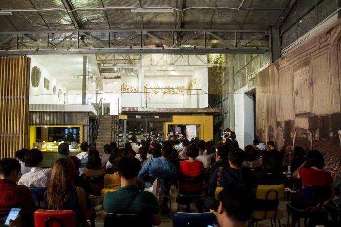 Một buổi trao đổi giữa  nghệ sĩ và cộng đồng tại The Factory.