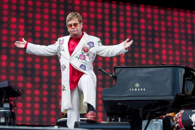 Elton John đã luôn là một nghệ sĩ trình diễn lớn, trước khi là một nhạc sĩ, ca sĩ. Ảnh: ABC News