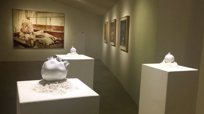 Tác phẩm của Lê Hoàng Bích Phượng và Nguyễn Văn Đủ tại The Factory.