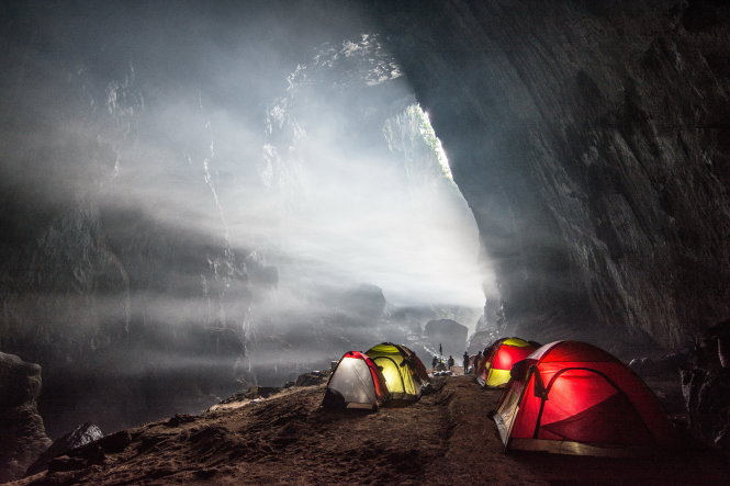 Thám hiểm hang động đòi hỏi sự chuẩn bị kỹ càng. Ảnh: Stephen Dang & Kevin Lee