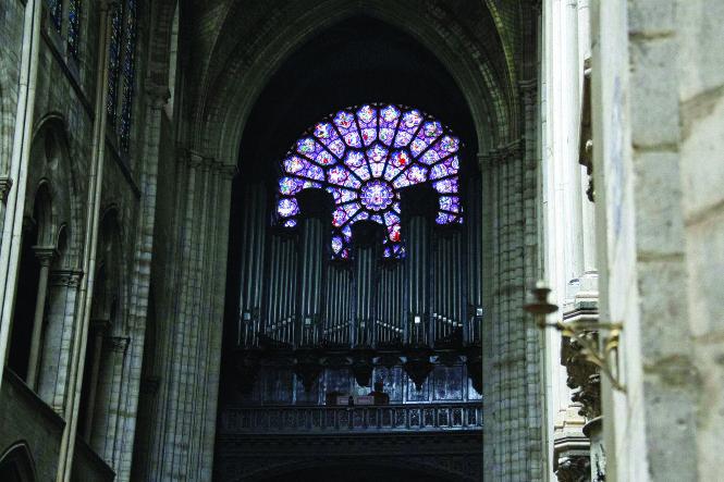 Tái thiết Nhà thờ Đức Bà Paris: Tôn trọng những vật liệu và kỹ thuật truyền thống
