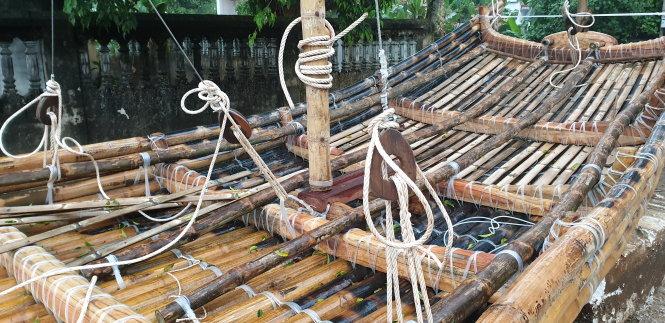 Dự án bè tre chọn cách tiếp cận vật liệu nguyên thủy để giống nhất với hành trình đi biển của người xưa. Ảnh: nhóm Bè tre cung cấp
