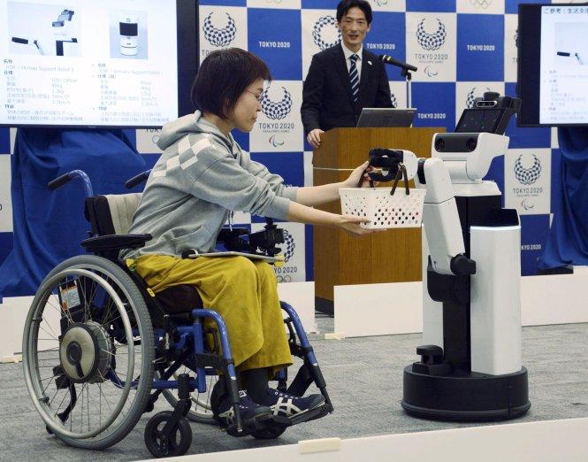 Những robot thế này dự kiến được đưa vào sử dụng đại trà ở Olympic Tokyo 2020. Ảnh: AP