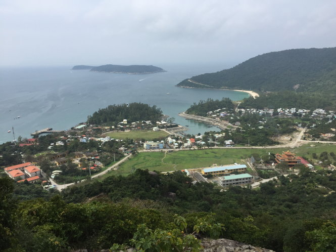 Cù Lao Chàm hiện nay đã quá tải bởi du khách và cư dân địa phương khiến nguồn nước tại chỗ không đủ nhu cầu hằng ngày. Ảnh: B.D.