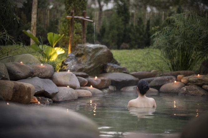 Tắm, bơi thư giãn...trong một tour du lịch nghỉ dưỡng