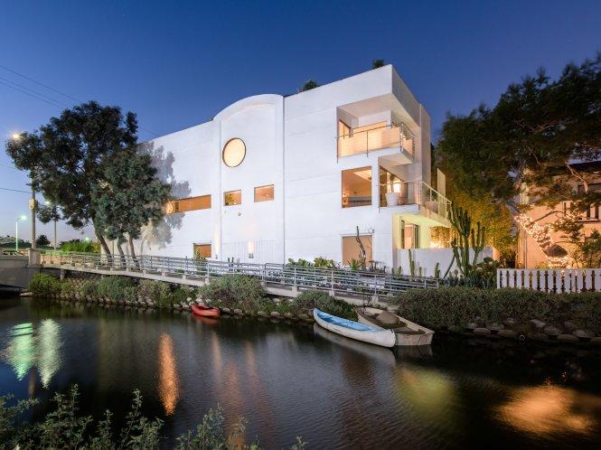 Một căn nhà kiểu Bauhaus ở Los Angeles, Mỹ. Ảnh: Pinterest
