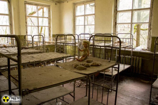 Một nhà trẻ bị bỏ hoang ở Chernobyl, ảnh chụp 31 năm sau thảm họa. Ảnh: chernobylguide.com