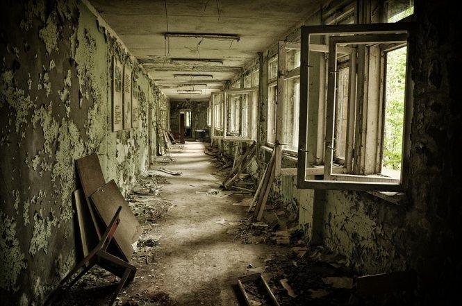 Cảnh tượng ở thành phố Pripyat - nơi cách hiện trường vụ nổ Chernobyl 2km, từng có gần 50.000 dân sinh sống nhưng nay hoàn toàn -trống rỗng. Ảnh: theculturetrip.com