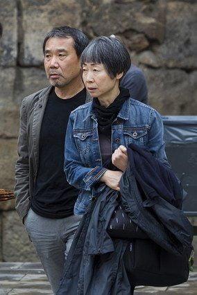 Haruki Murakami và vợ ông - bà Yoko. Ảnh: Frédéric Clad