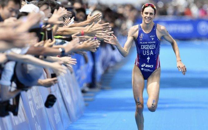 Gwen Jorgensen - nữ kế toán viên người Mỹ nắm giữ kỷ lục 3 môn phối hợp ở Olympic.-Ảnh: Pinterest