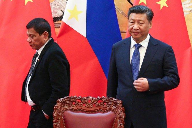 Ông Duterte (trái) và ông Tập Cận Bình. Ảnh: scmp.com