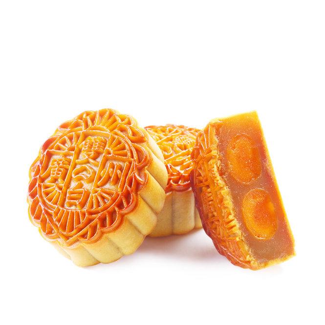 """Bánh Quảng Châu có ấn nổi chữ-""""Quảng Châu"""" và """"Song Bạch"""" trên vỏ bánh."""