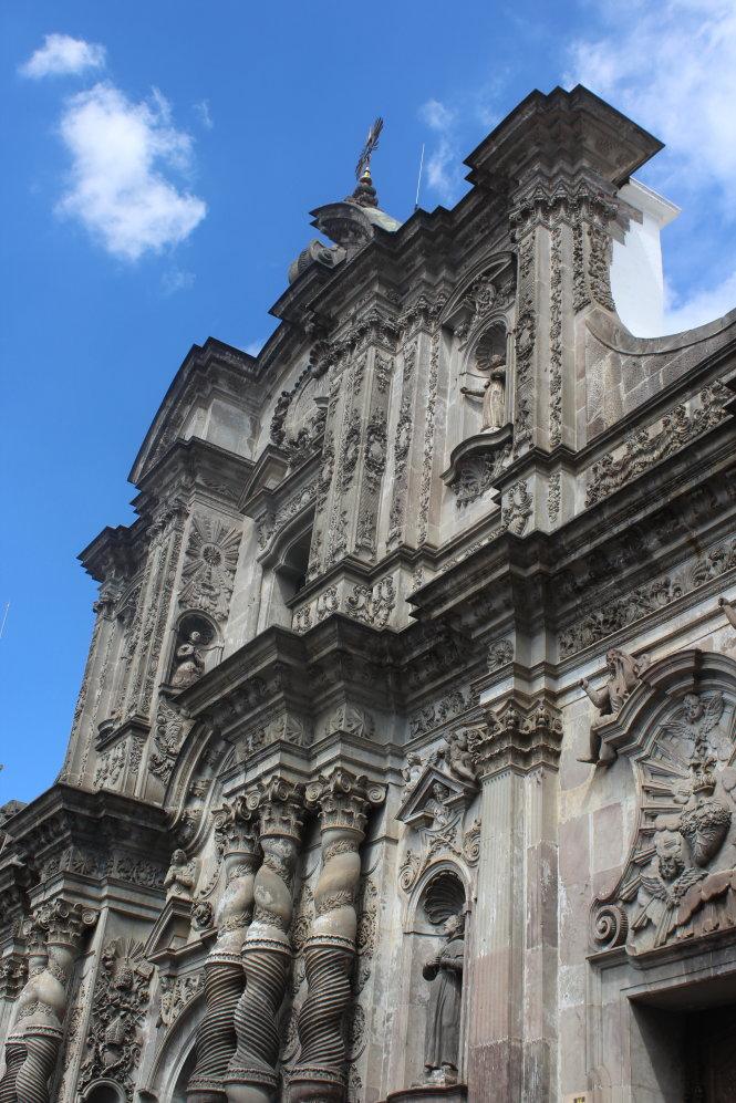 Giáo đường La Compania đậm đà kiến trúc Baroque.