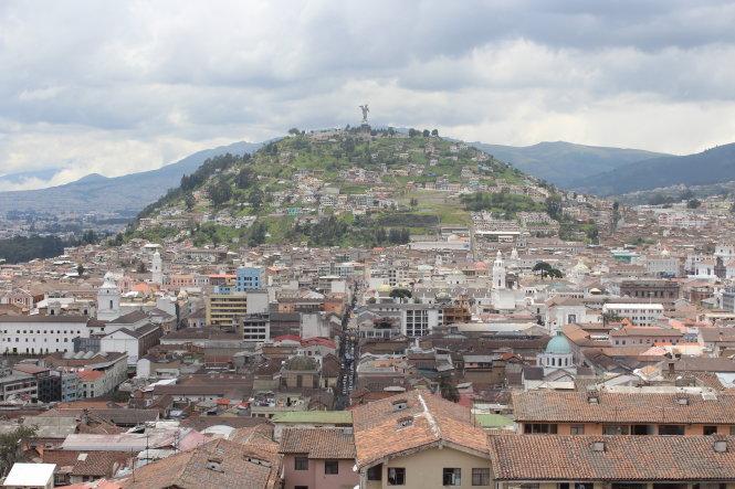 Thủ đô Quito nhìn từ trên cao