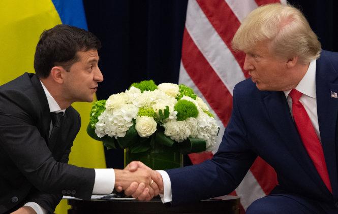 Ông Trump (phải) và ông Zelensky. Ảnh: AFP