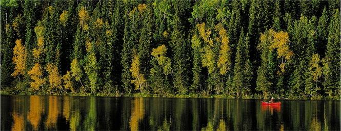 Hồ nước lộ thiên ở tỉnh Saskatchewan, Canada. Chất lượng nước mặt của các hồ trong tỉnh được giám sát bởi 24 trạm quan trắc để bảo vệ 11 nguồn nước của địa phương. Ảnh: Saskatchewan.ca